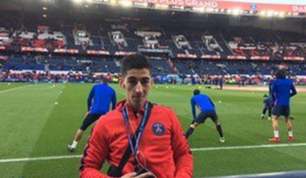 Mohamed a rencontré les joueurs du PSG et a assisté à un match