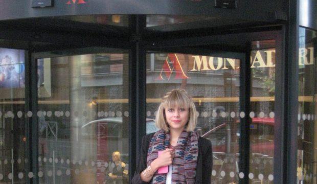 Clara a visité un magazine de mode
