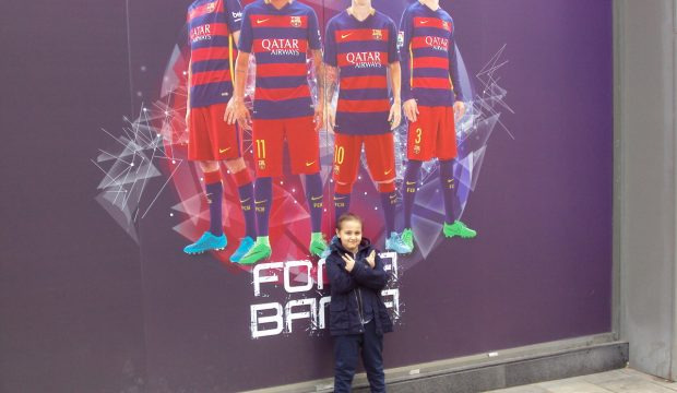 Amine a rencontré les joueurs du FC Barcelone et assisté à un match
