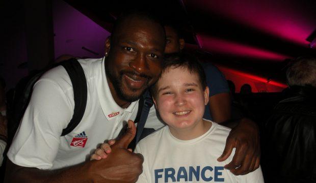 Théau et l'Equipe de Fr. de Basket
