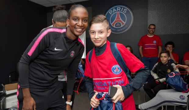 Noa a rencontré des joueurs du PSG et il a assisté à un match