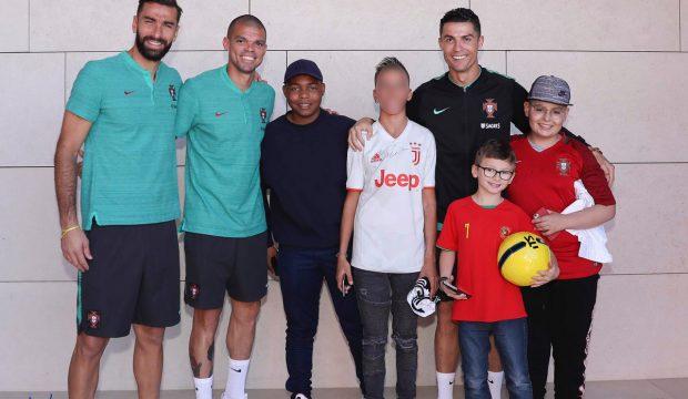 Hugo a rencontré C. RONALDO et il a assisté à un match