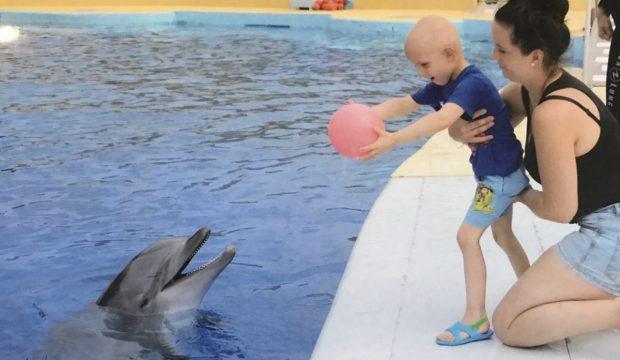 Kelann a fait un séjour avec sa famille à Marineland et a approché les dauphins