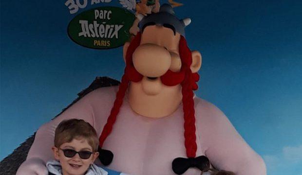 Alban a fait un séjour en famille au parc Astérix