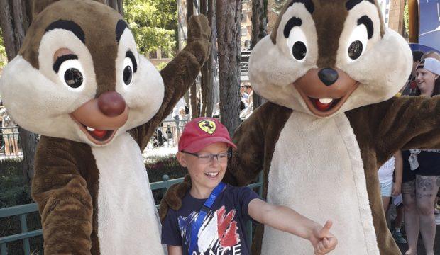 Simon a séjourné au parc Disneyland Paris
