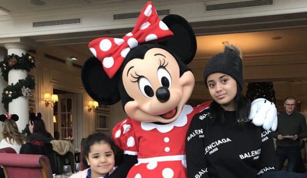Aya est allé à Disneyland Paris
