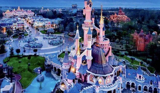 Uarda a séjourné au parc Disneyland Paris